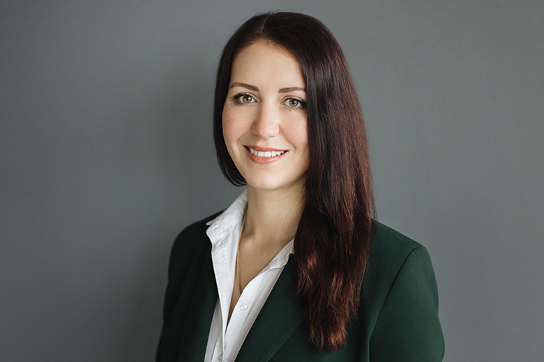 Profile Photo - Olga Samsonova - Commercial Real Estate Lawyer